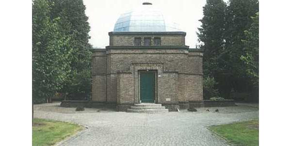 Aula van de Joodse begraafplaats te Enschede