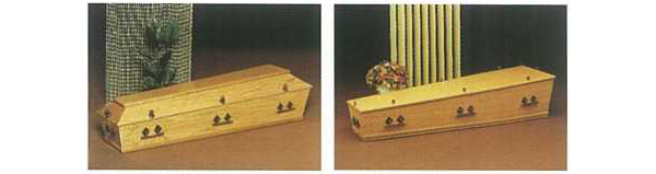 Kist met een verhoogd deksel en een kist met een plat deksel